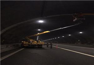 隧道路灯安装
