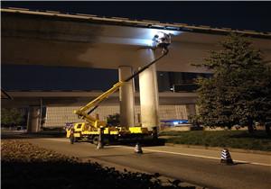 桥梁落水管安装